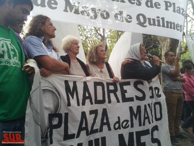Homenaje a Madres de Quilmes en Plaza San Martín y el Teatro