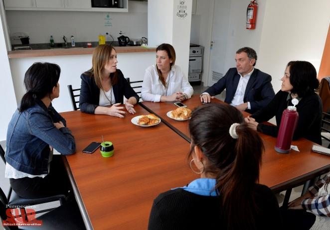 Vidal visitó un hogar de protección para mujeres son víctimas de violencia