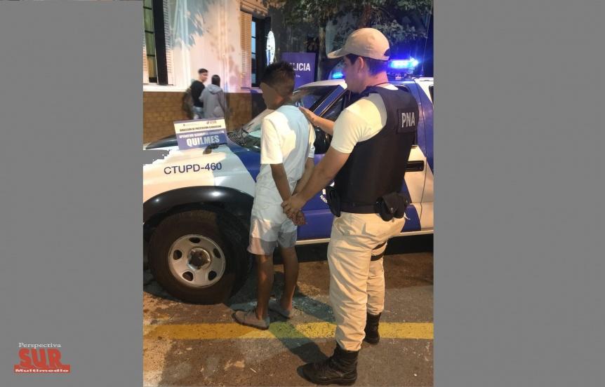 Arrestan a adolescente armado con un revólver