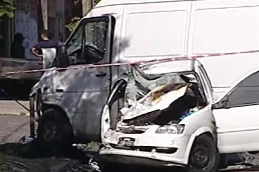 Violento choque en Lan�s: murieron dos mujeres