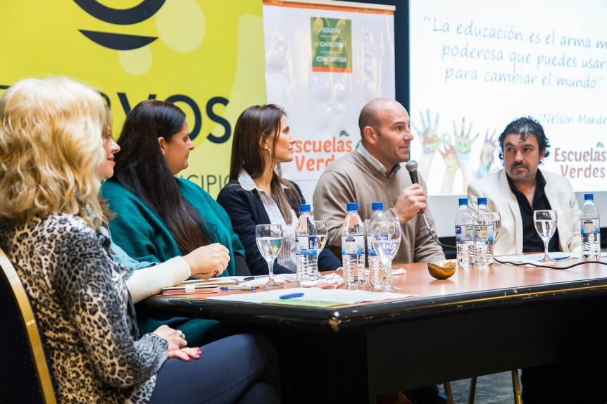 """El intendente Molina lanzó el programa ambiental """"Escuelas Verdes"""""""