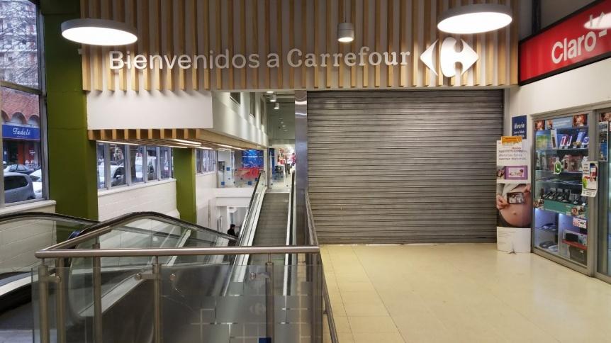 Finalmente cerr� el Carrefour de Lavalle y Humberto Primo