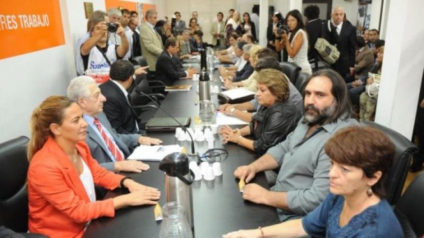 La Justicia orden� convocar a los docentes para negociar paritarias