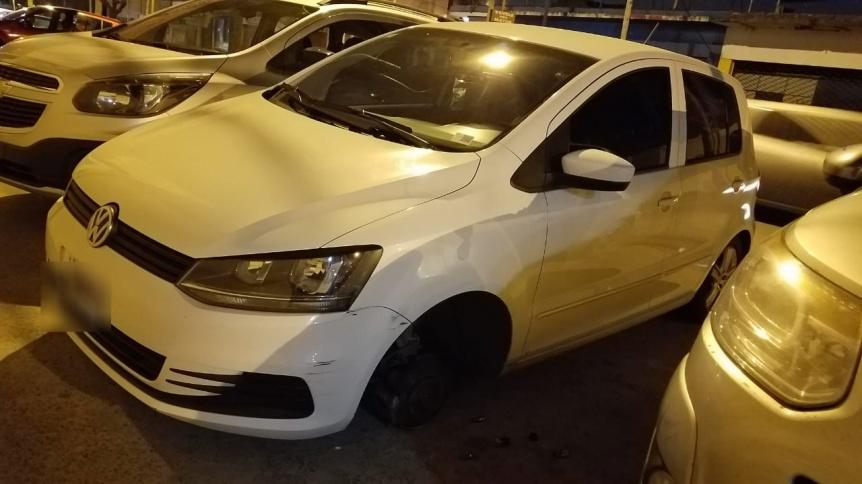 Otro ataque de roba ruedas en Quilmes Oeste: Se llevaron dos de un Fox