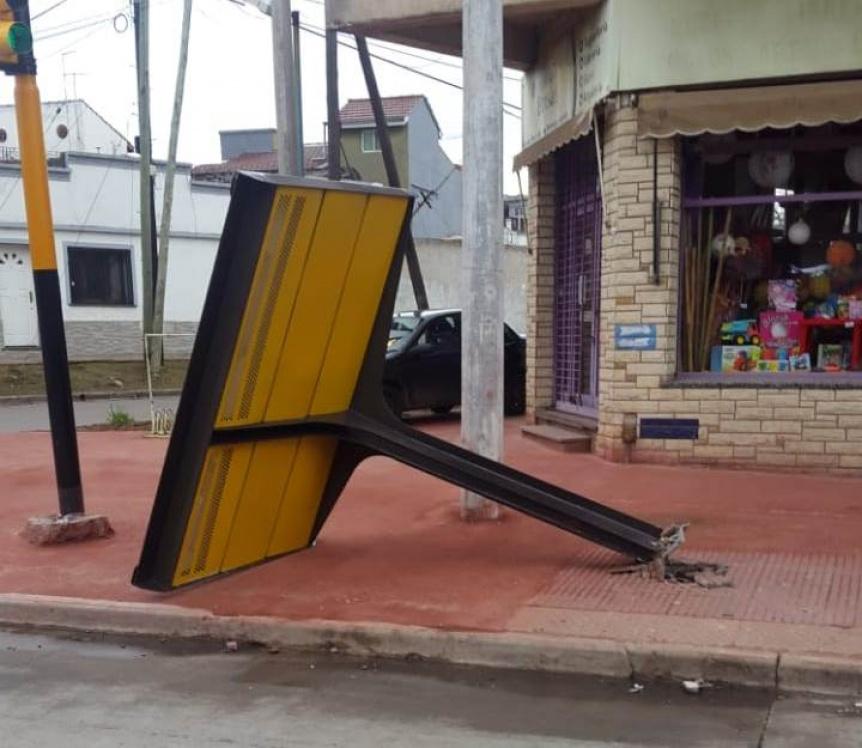 Un colectivo arranc� un nuevo refugio en avenida Mitre y Mendoza