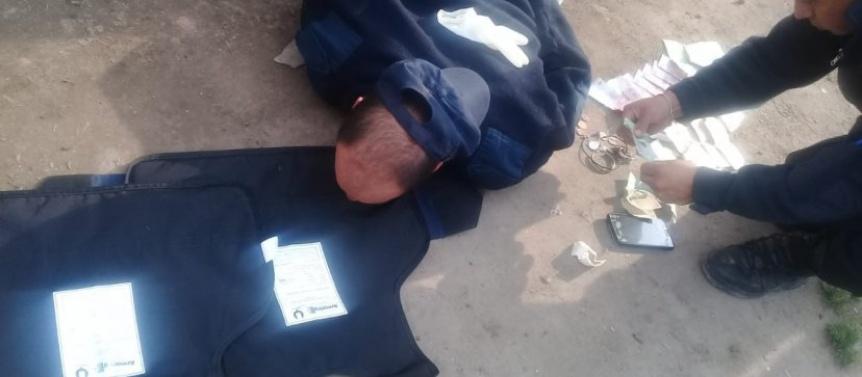 Disfrazados de polic�as intentaron cometer una entradera en Quilmes Oeste