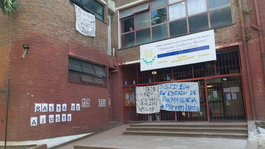 Permanencia de estudiantes del Profesorado en el Normal de Quilmes