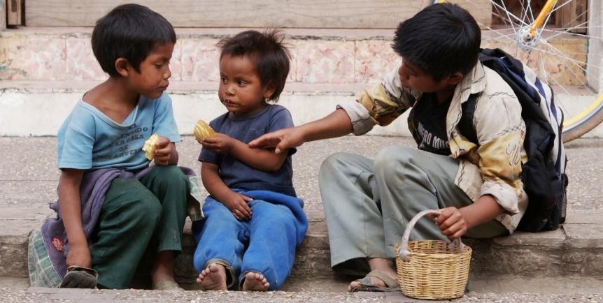 Programa de chicos de la calle invita a armar cajas navide�as para los m�s vulnerables