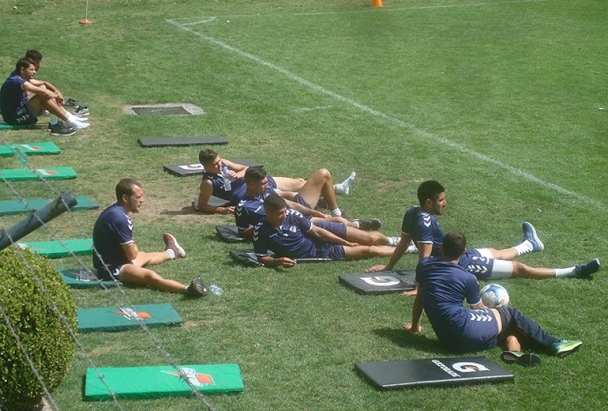 Quilmes hizo trabajos t�cticos y se perfila un equipo sin cambios