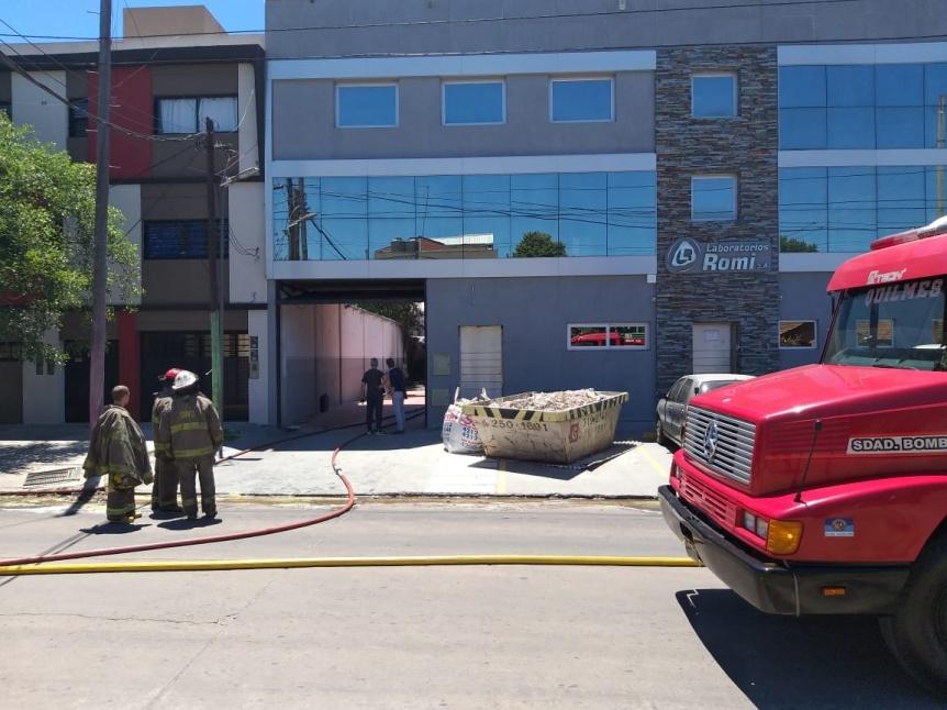 Incendio en un laboratorio de piezas dentales en Quilmes Oeste