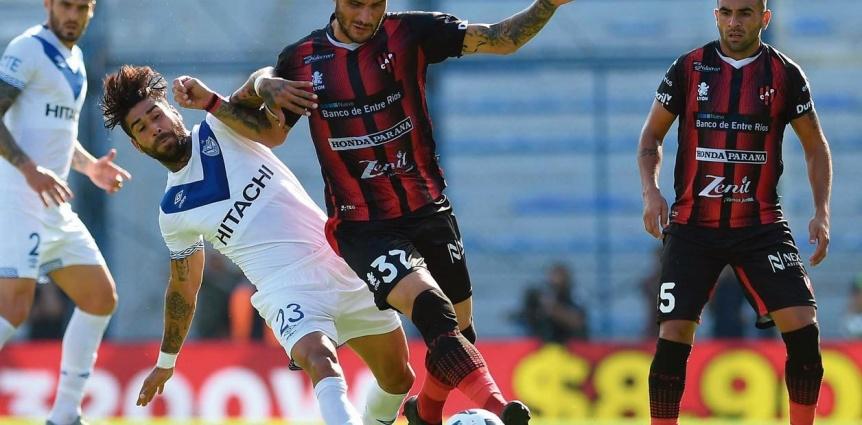 Vélez, que quiere seguir subiendo en la tabla, visita al golpeado Patronato