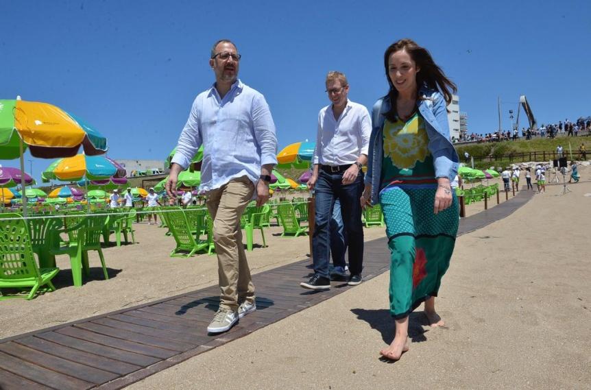 Vidal inauguró playas públicas y anunció que Quilmes y Lanús serán puntos de esparcimiento