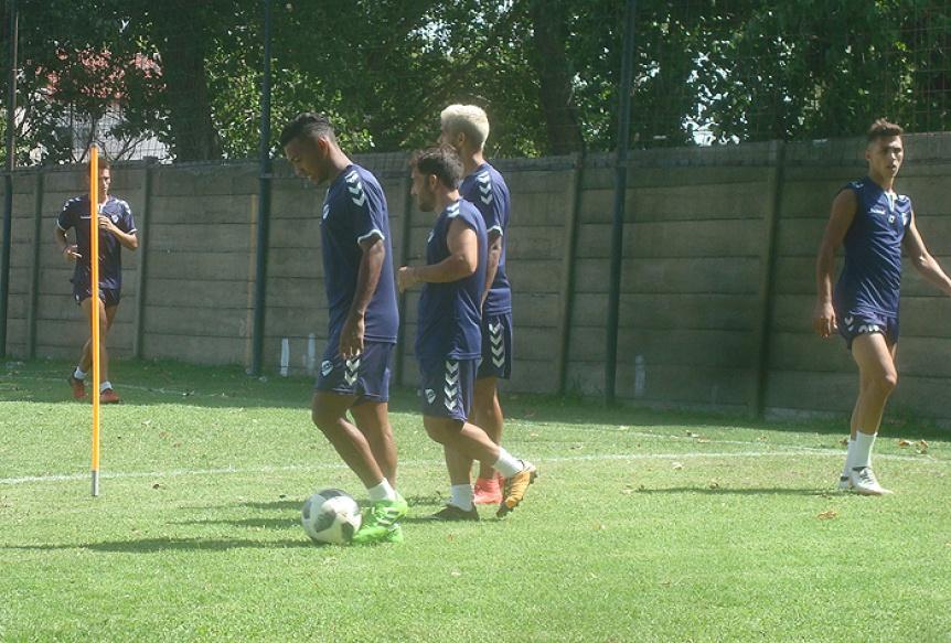 Quilmes volvió a trabajar en doble turno y Olivera sigue sin aparecer