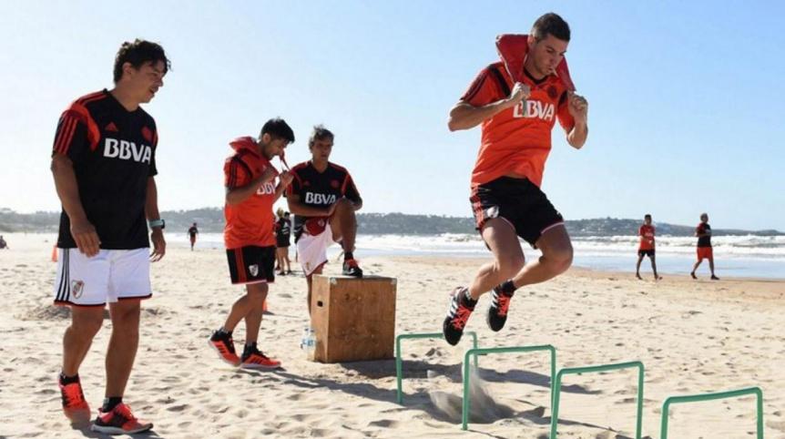 Gallardo decidió regresar antes de lo previsto de Uruguay