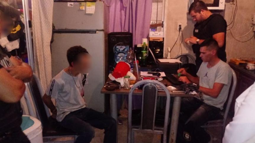 Aprehendieron a presunto vendedor de coca�na en la localidad de Bosques