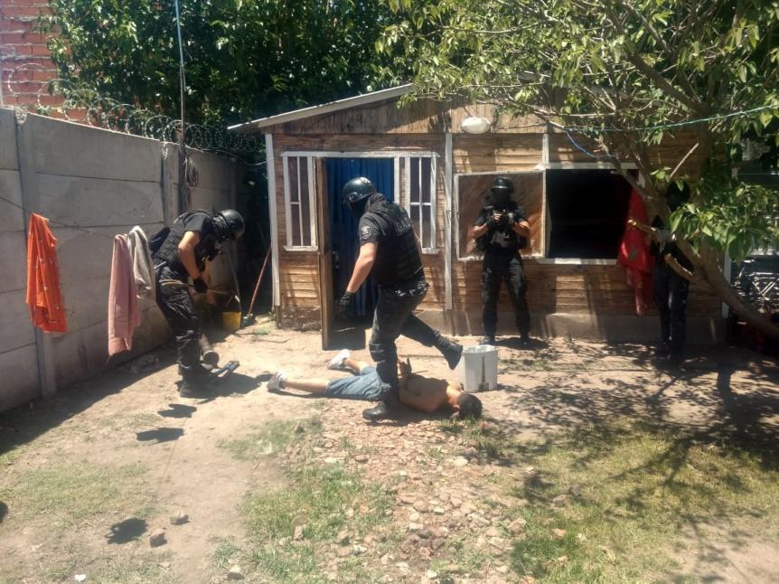 Desbaratan una banda que desvalijaba casas en Varela