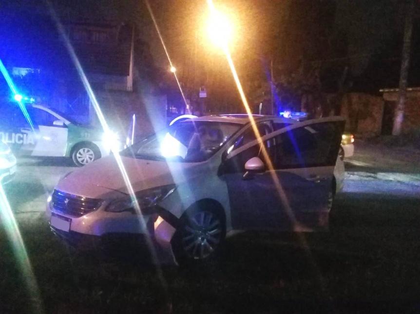 Asalto a mano armada a chofer de Uber terminó con tres detenidos