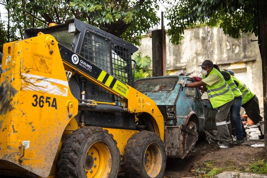 Rápido accionar municipal ante la problemática de un vecino acumulador