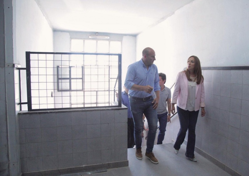 Vidal visit� en Quilmes las obras de ampliaci�n de una escuela primaria y otra secundaria