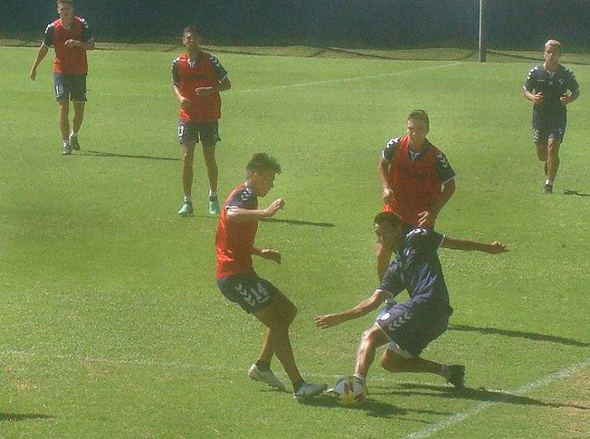 QAC: Pr�ctica de f�tbol y cambios en el equipo esperando por Mitre