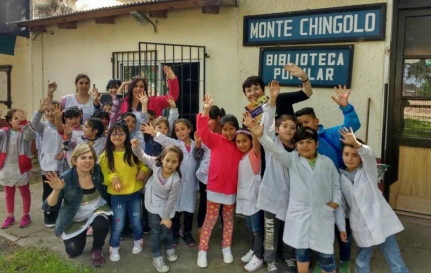 La Biblioteca Popular Monte Chingolo lanza colecta solidaria de útiles escolares y calzado