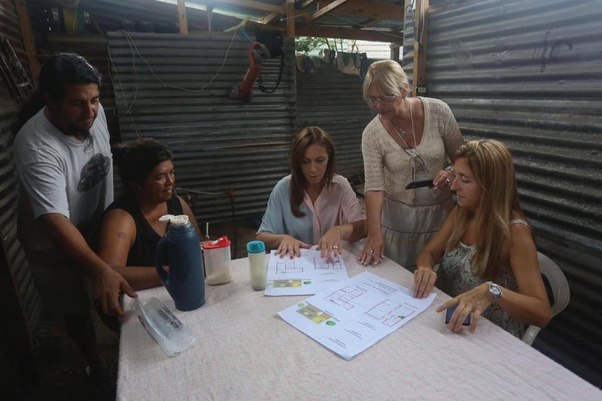 Vidal se reuni� con vecinos de Escobar y Pilar