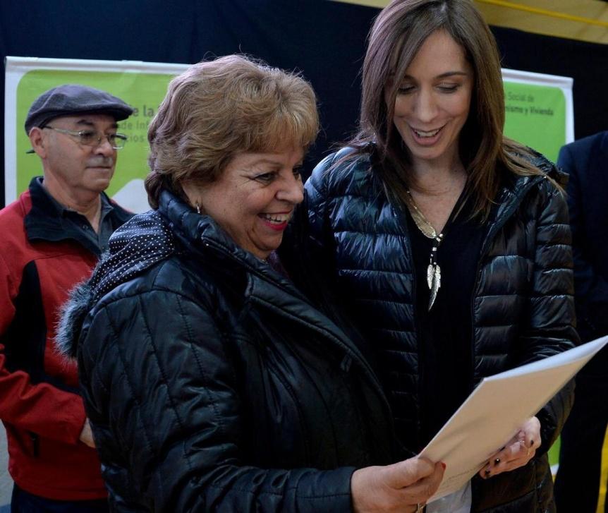 La Provincia entreg� m�s de mil escrituras en Quilmes