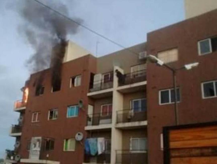Incendio en un departamento del barrio Memoria y Justicia de Ezpeleta