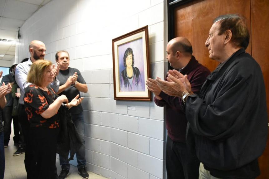 El HCD quilme�o recibi� la donaci�n de retratos de dos ex concejales