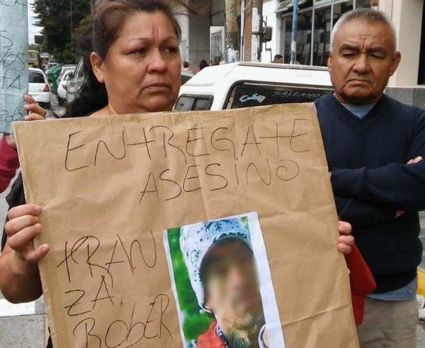 Piden justicia por un joven asesinado en Monte Matadero