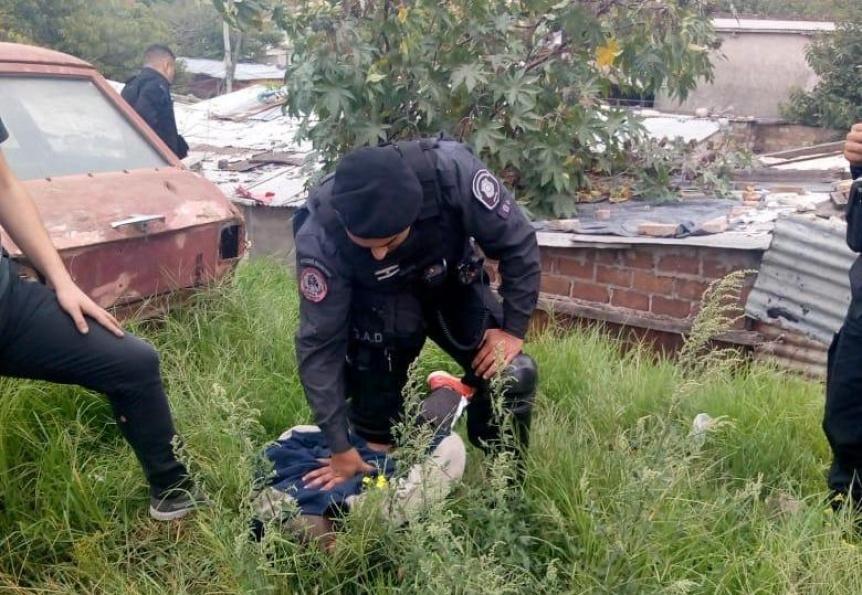 Robo a mano armada en el Acceso Sudeste: Un detenido y un prófugo