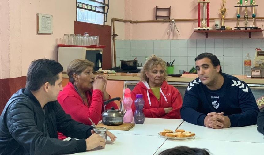 Fernando Pérez de recorrida en Quilmes Oeste