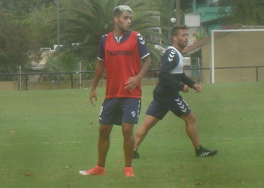 Quilmes hizo fútbol con Bellone por Obregón en el equipo titular