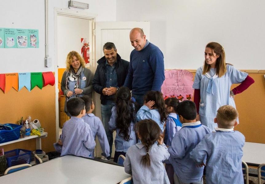 Molina visitó el Jardín Nº 967 donde se construyó una cocina a través del SAE