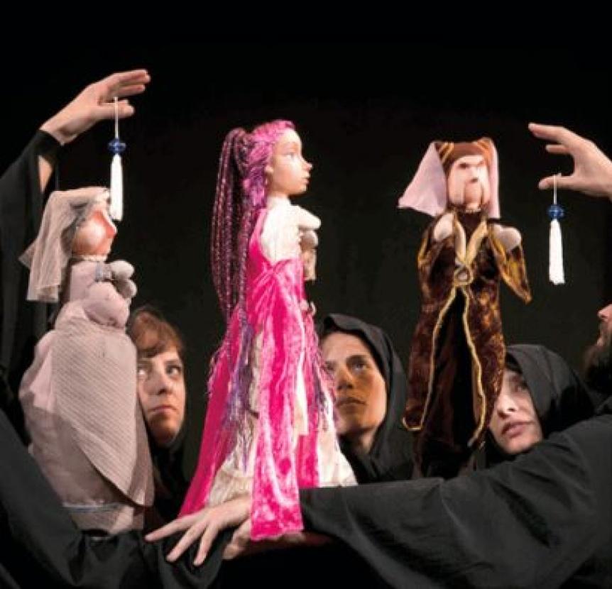 Romeo y Julieta en el Teatro Municipal y en forma de títeres