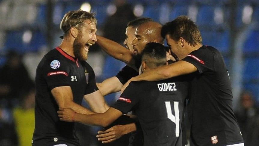 Estudiantes (LP) gole� a Sarmiento (R) en la despedida de Bra�a