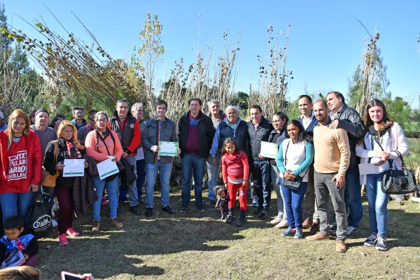 El Municipio de Varela entregó ejemplares arbóreos de la Unidad Forestal