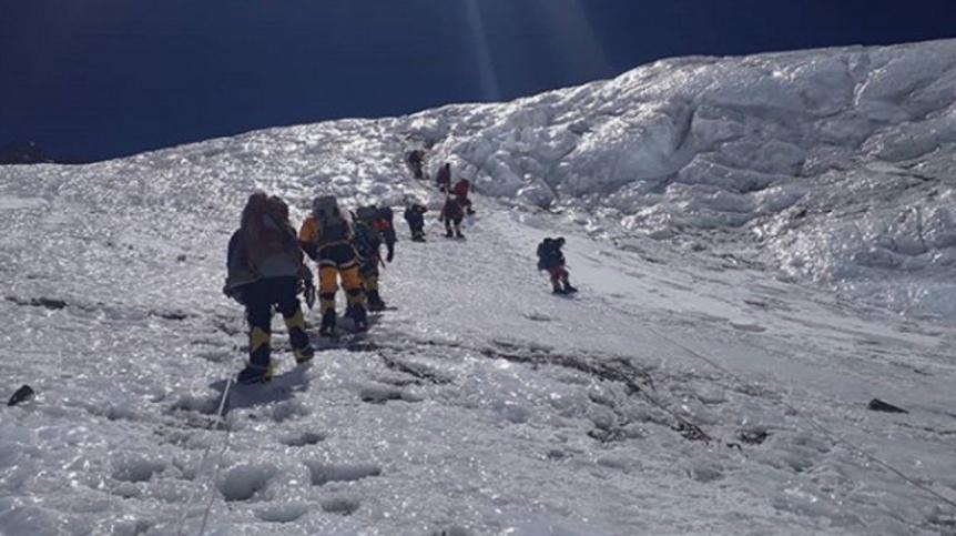 Dramático rescate de un argentino en la cima del Everest: tenía un edema pulmonar