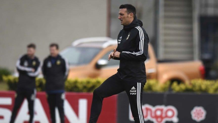 Scaloni mantiene algunas dudas de cara al debut en la Copa América