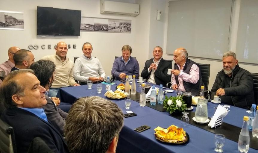 Molina participó del encuentro de intendentes de la región con autoridades de la CEAMSE