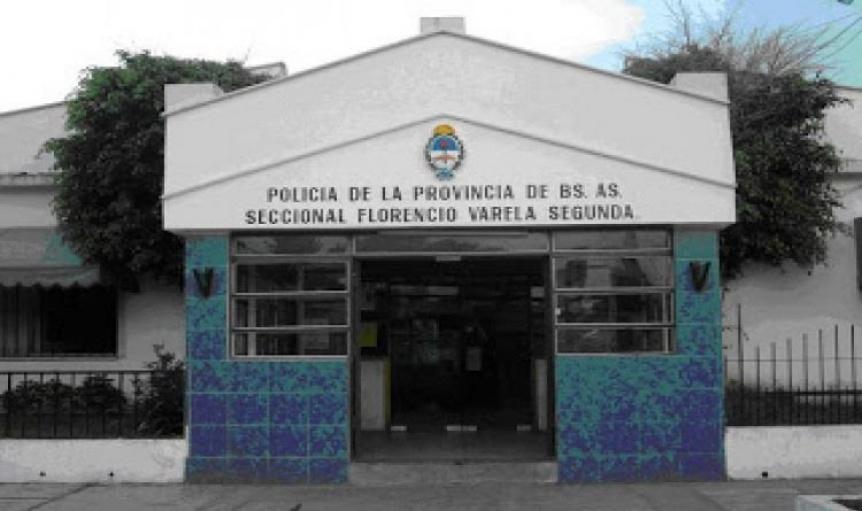 Cinco encapuchados robaron y torturaron a un excomisario en Varela
