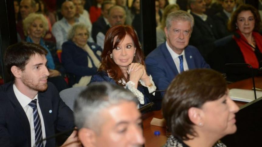 Cristina Kirchner volverá a faltar el lunes a jornada de juicio por la obra pública