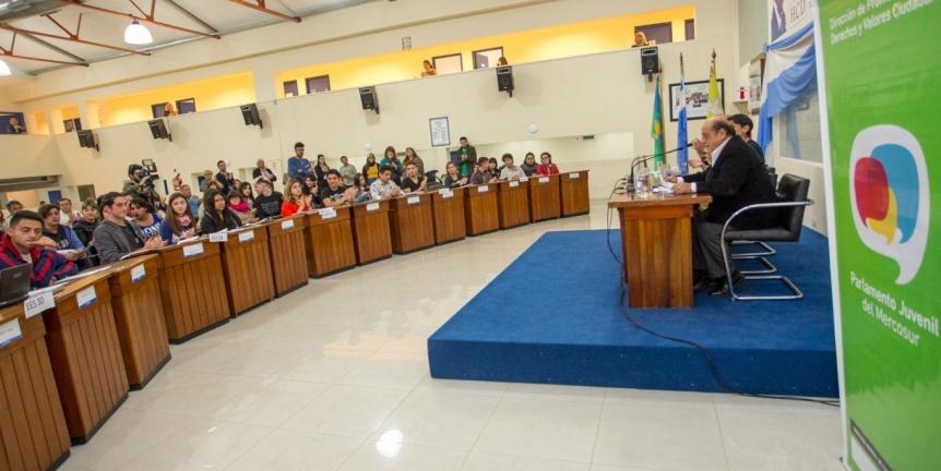 El Parlamento Juvenil del Mercosur sesionó en el Concejo Deliberante de Berazategui