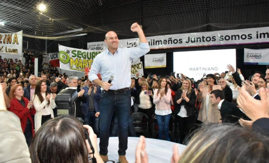 Molina lanzó su campaña política con fuertes críticas a la oposición